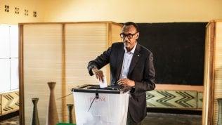 Ruanda, plebiscito per il presidente Kagame. Alle spalle le stragi del 1994